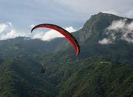 Flying in Paragliding an amazing adventure